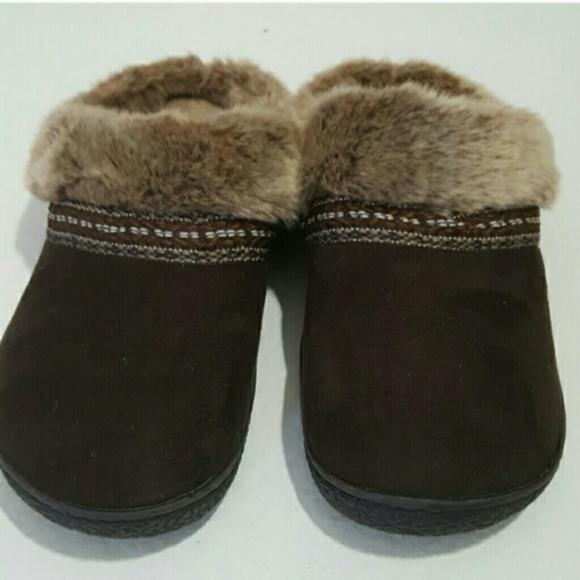 Isotoner Brown Slipper